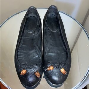 Gucci leather Flats with Logos